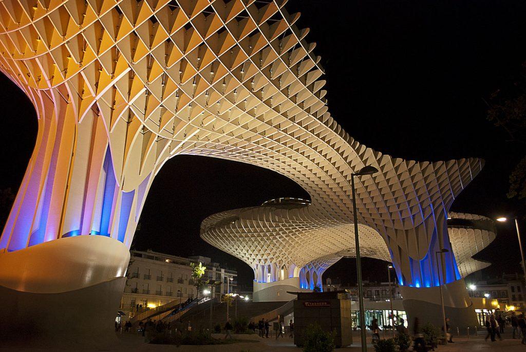 متروپل پاراسول، بزرگترین بنای چوبی جهان